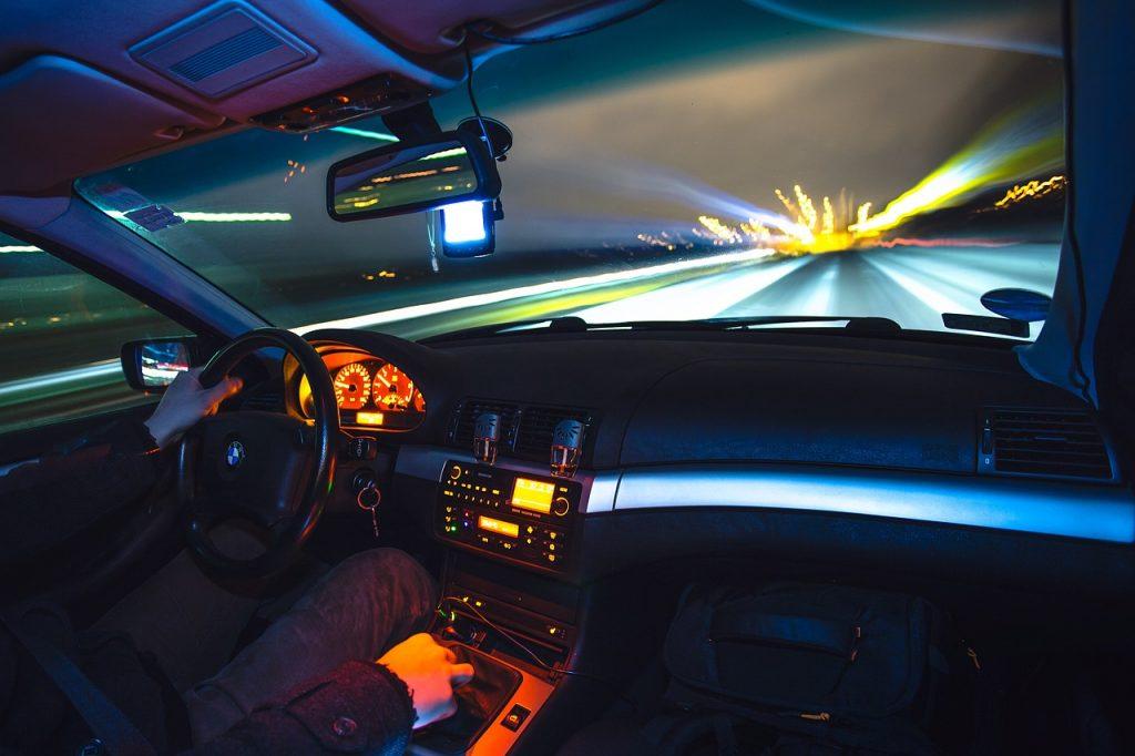 Uso del teléfono móvil durante la conducción